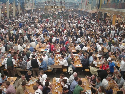 Oktoberfest_bierzelt